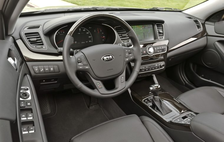 2016 Kia Cadenza Steering Wheel Design