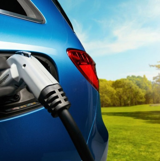 Plug-In Car Sales Report: LEAF Withers, Fusion Energi