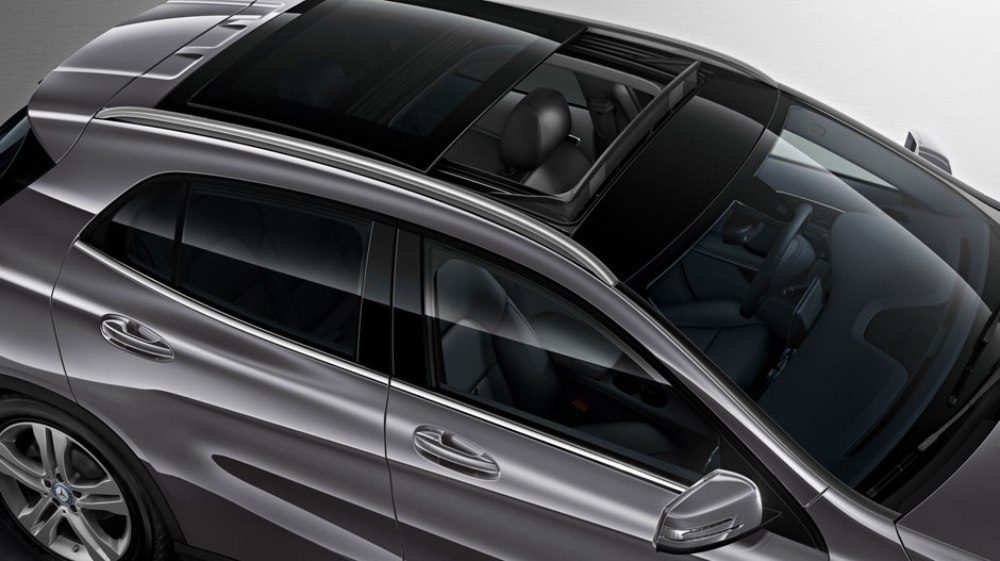 2016 mercedes benz gla silver sunroof the news wheel for Mercedes benz sunroof