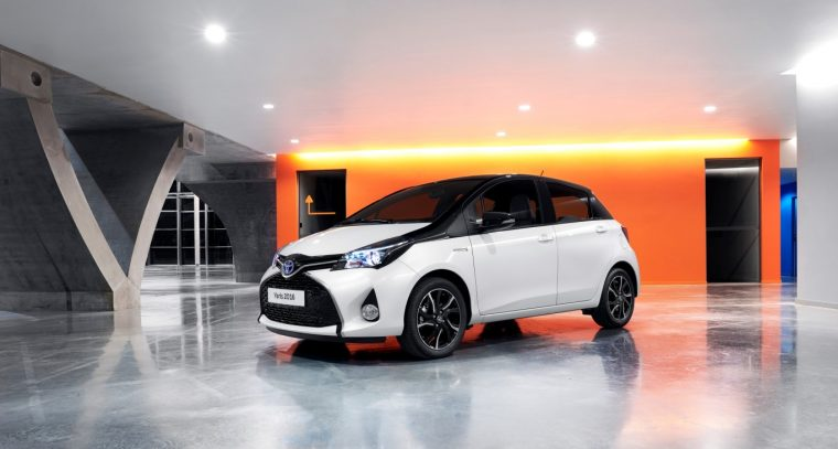 2016 Toyota Yaris Bi-Tone UK