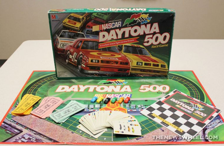 NASCAR Daytona 500 1990 board game review components