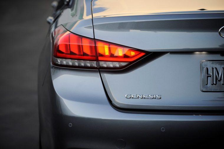 2016 Hyundai Genesis overview bumper