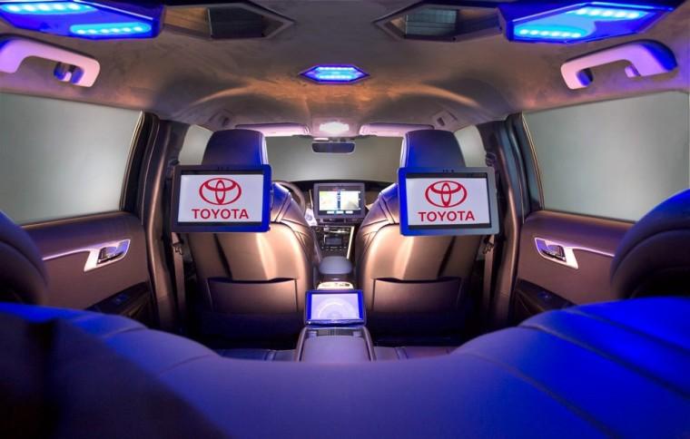 2016 Toyota Mirai Kymeta NAIAS