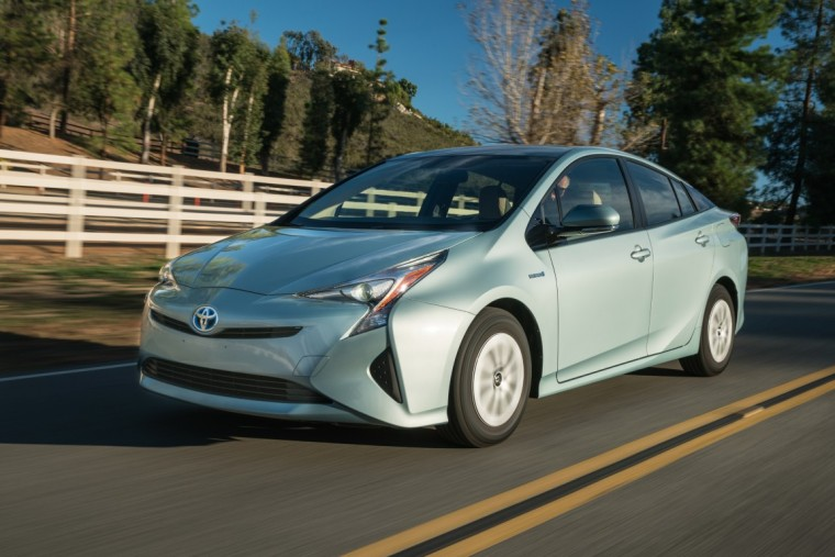 2016 toyota prius overview the news wheel. Black Bedroom Furniture Sets. Home Design Ideas