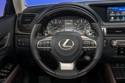 2016_Lexus_GS_350_020_1A8DBB37E3B8129641DEAE393DCD20B01CBB6446