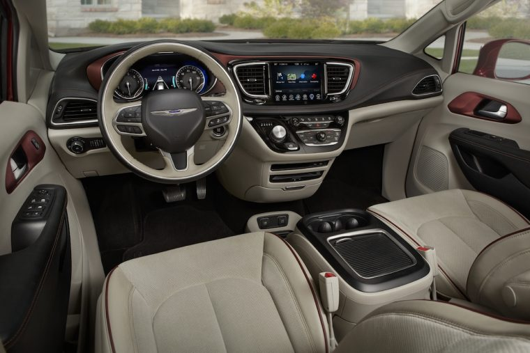 2017 Chrysler Pacifica Dashboard Design
