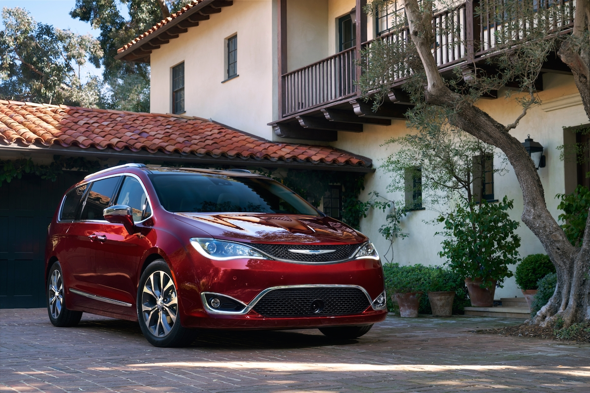 2017 chrysler pacifica overview the news wheel. Black Bedroom Furniture Sets. Home Design Ideas