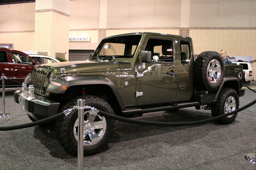 stop the presses jeep is going to build a wrangler based pickup truck the news wheel. Black Bedroom Furniture Sets. Home Design Ideas