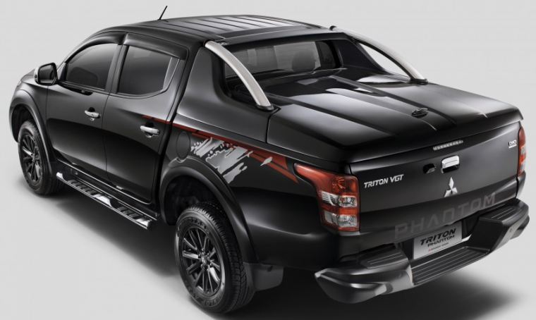 Mitsubishi Triton Phantom Edition Rear End