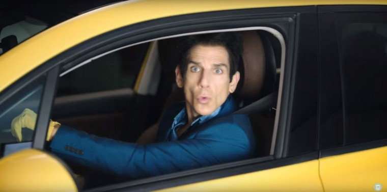Ben Stiller as Derek Zoolander driving Fiat 500x