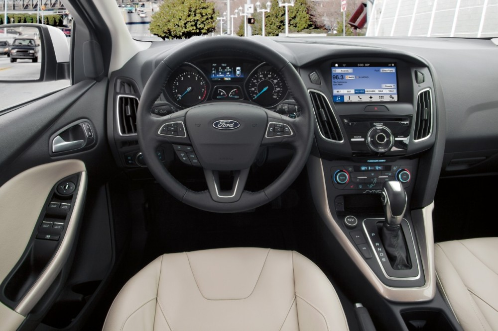 2016 ford focus overview the news wheel. Black Bedroom Furniture Sets. Home Design Ideas