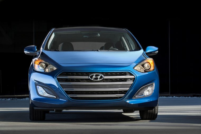 2016 Hyundai Elantra GT Overview front view