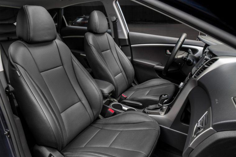 2016 Hyundai Elantra GT Overview seats