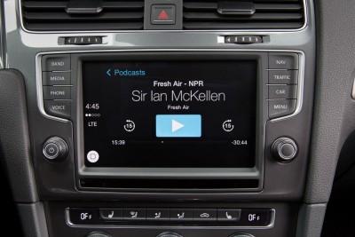 2016 VW e-Golf Infotainment
