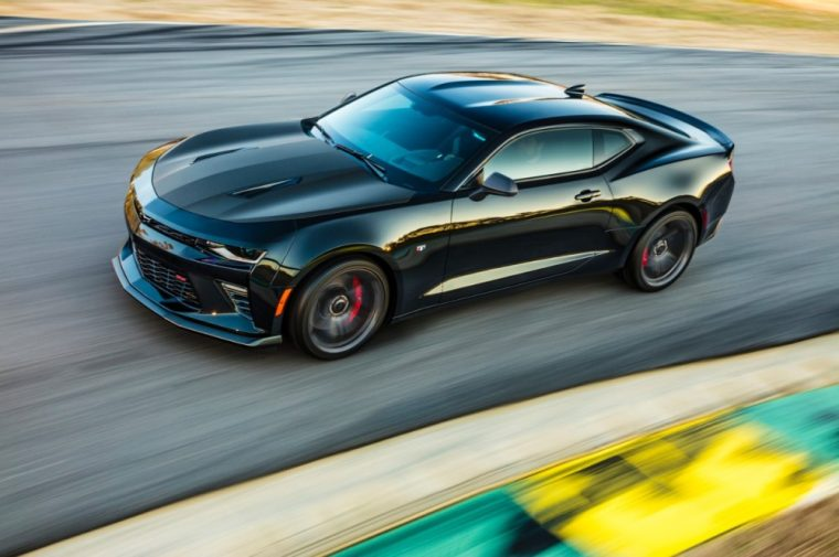 Chevy has announced the 1LE Performance Package will be returning to the 2017 Camaro