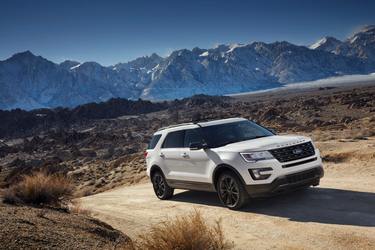 Photos 2017 ford explorer xlt gets sport appearance package the news wheel
