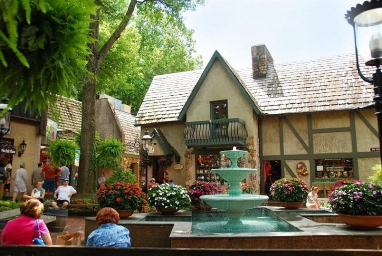 Gatlinburg Tennessee Village Shoppes
