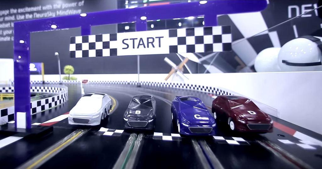 Hyundai Displays Mind Controlled Slot Car Racing At Auto Expo The News Wheel