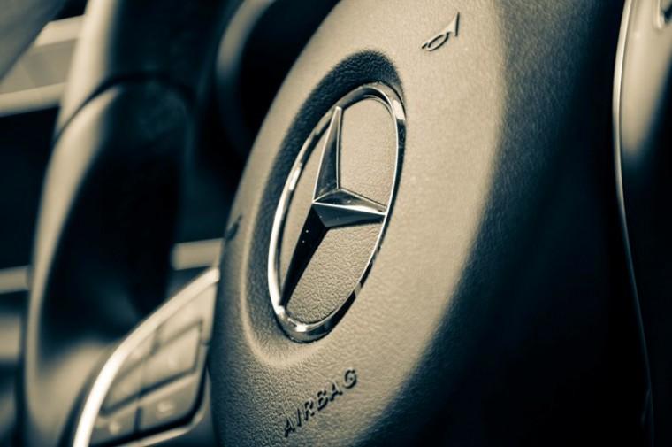 Mercedes e class diesel engine