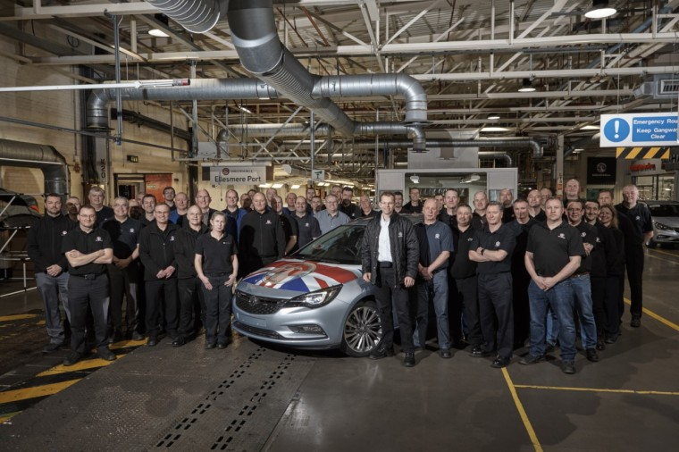 First Astra Sports Tourer built at Ellesmere Port