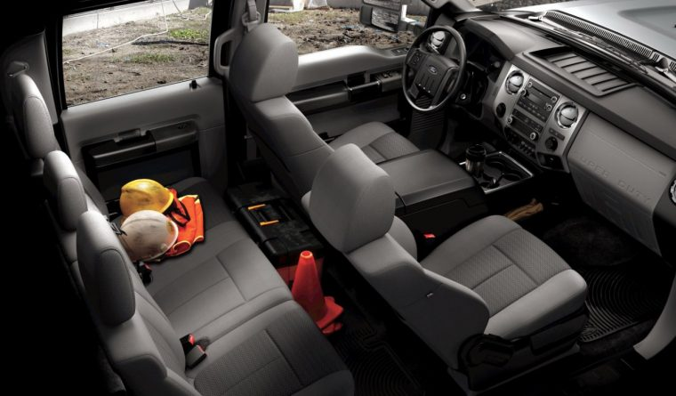 Ford Super Duty F-350 XLT Crew Cab interior in Steel Cloth