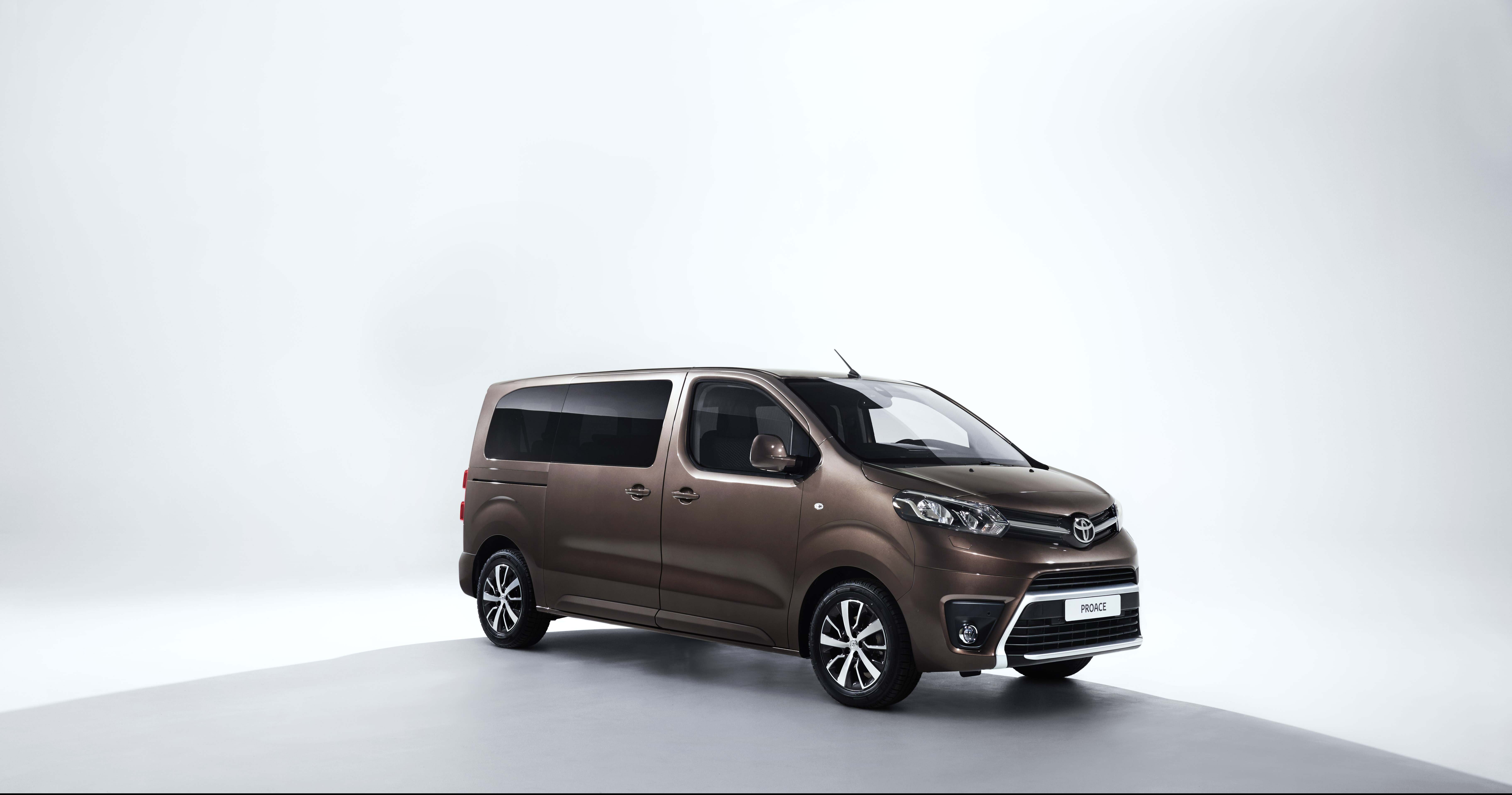 photos new toyota proace verso debuts at geneva motor show the news wheel. Black Bedroom Furniture Sets. Home Design Ideas