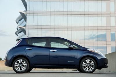2016 Nissan LEAF exterior