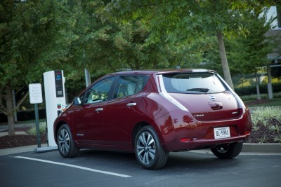 2016 Nissan LEAF Charging red