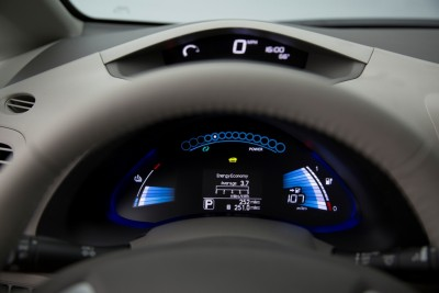 2016 Nissan LEAF Dashboard