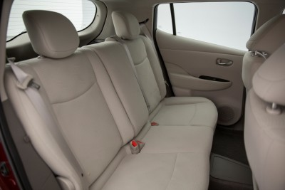 2016 Nissan LEAF backseat