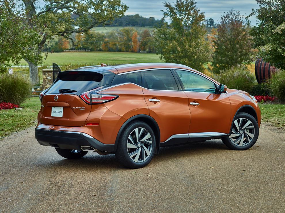 the three generations of the nissan murano mid size crossover the news wheel. Black Bedroom Furniture Sets. Home Design Ideas