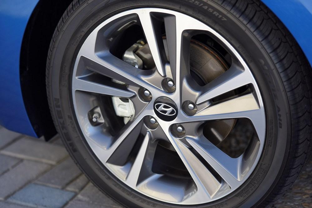 2017 Hyundai Elantra Wheels The News Wheel