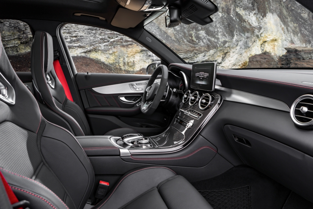 Mercedes Bringing Amg Version Of Glc Suv To Ny Auto Show