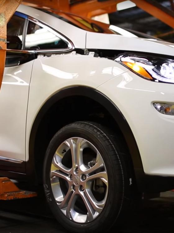 200 mile range bolt electric car at ces 2017 chevrolet bolt 2017 2017 2018 best cars reviews. Black Bedroom Furniture Sets. Home Design Ideas