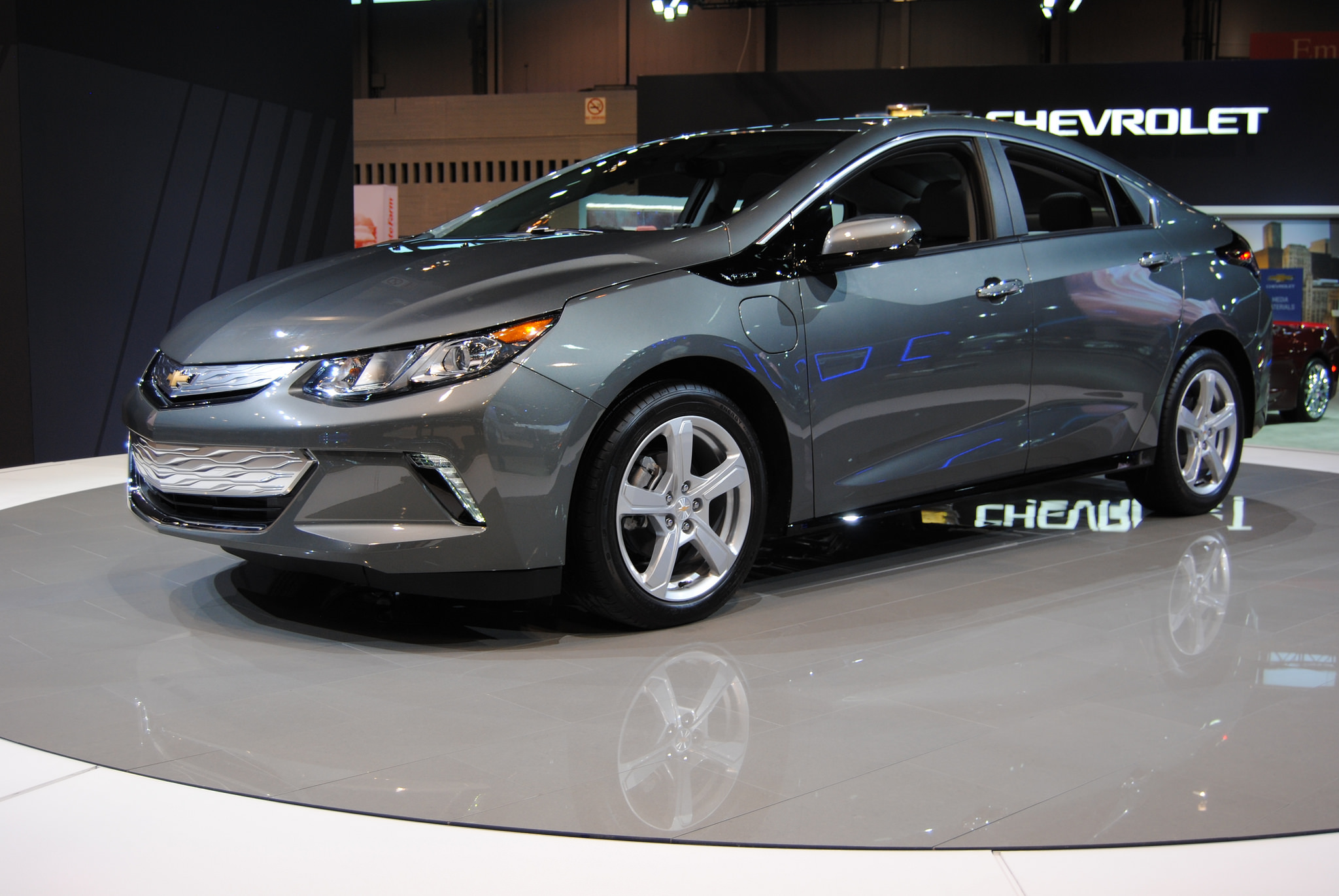 2017 chevrolet volt overview the news wheel. Black Bedroom Furniture Sets. Home Design Ideas