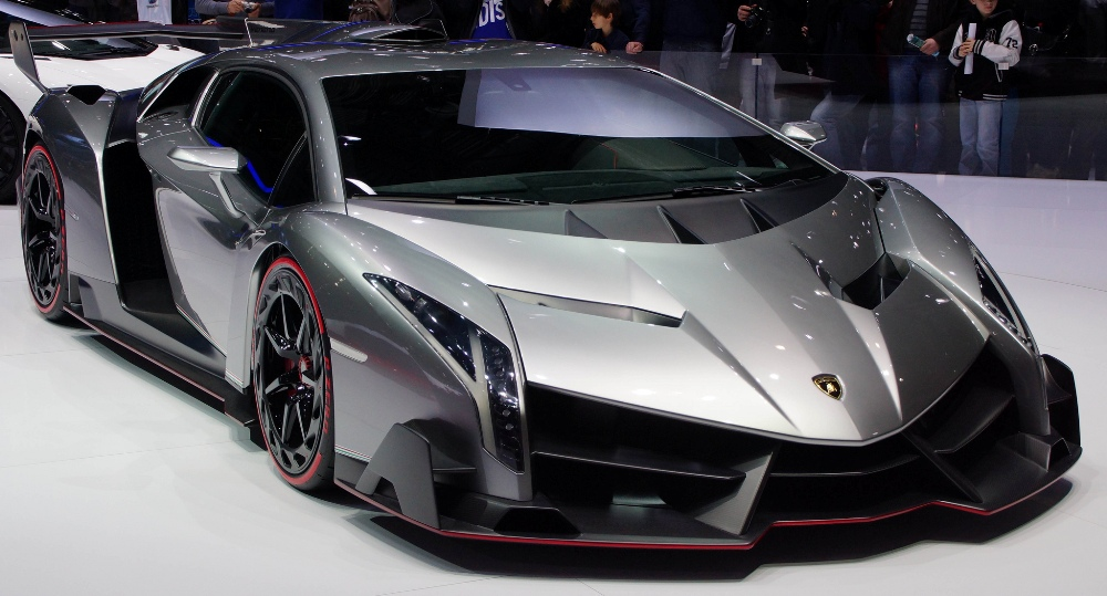 incredibly rare lamborghini veneno up for sale the news wheel. Black Bedroom Furniture Sets. Home Design Ideas