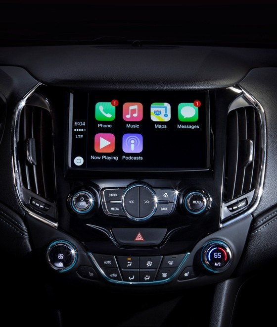 apple carplay android auto bailing automakers out of making proper infotainment systems the. Black Bedroom Furniture Sets. Home Design Ideas
