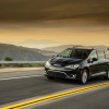 2017 Chrysler Pacifica Driving