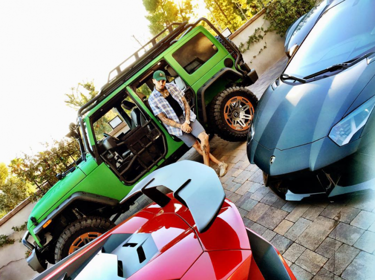 5 famous celebrities who have at least one Jeep Wrangler in their car collection