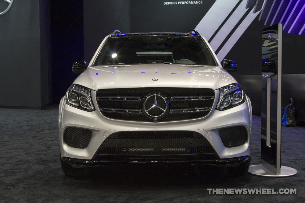 The new 2017 mercedes benz gls suv the news wheel for Mercedes benz gls suv