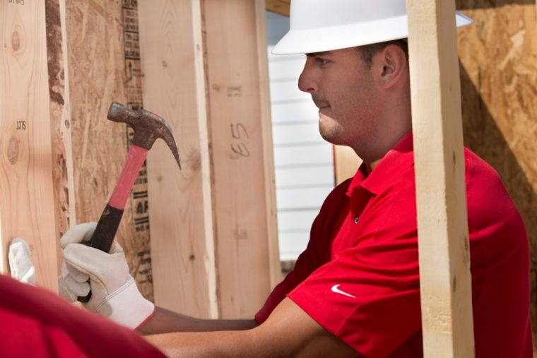 Marcus Mariota has one of the NFL players who helped build a new Habitat for Humanity home in Nashville, Tennessee