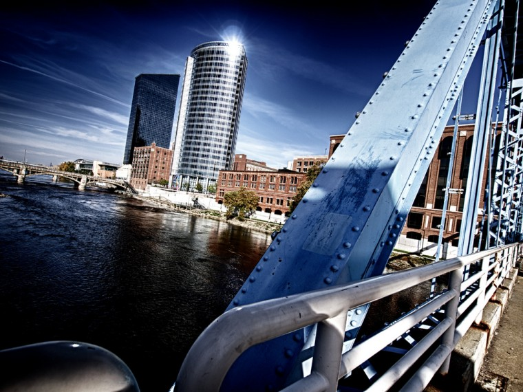 Grand Rapids Michigan bridge