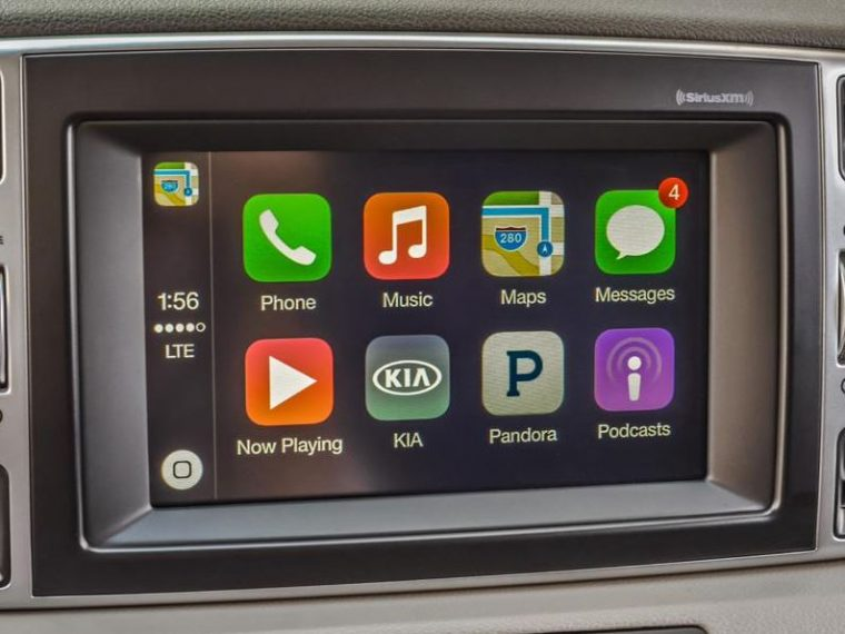 Kia UVO with Apple CarPlay
