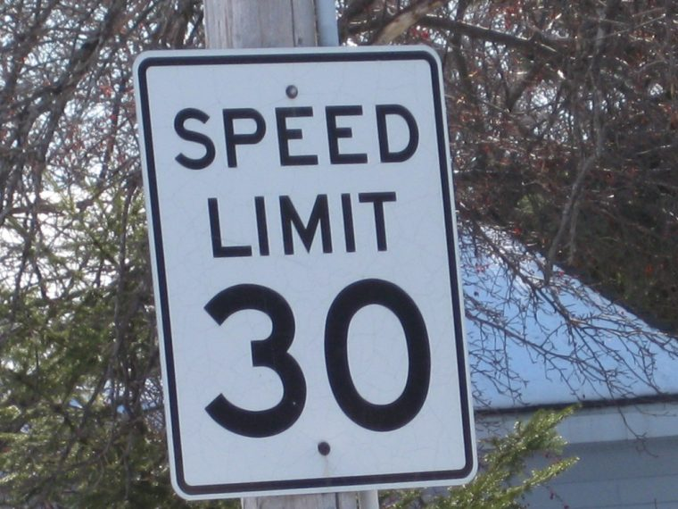 speed limit sign 30 mph