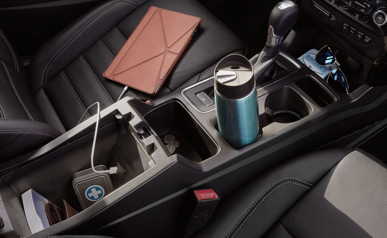 2017 Ford Edge Titanium >> BREAKING: 2017 Ford Escape Also Gets New Cup Holders - The ...