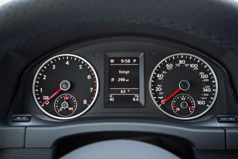 2016 Volkswagen Tiguan Overview dashboard
