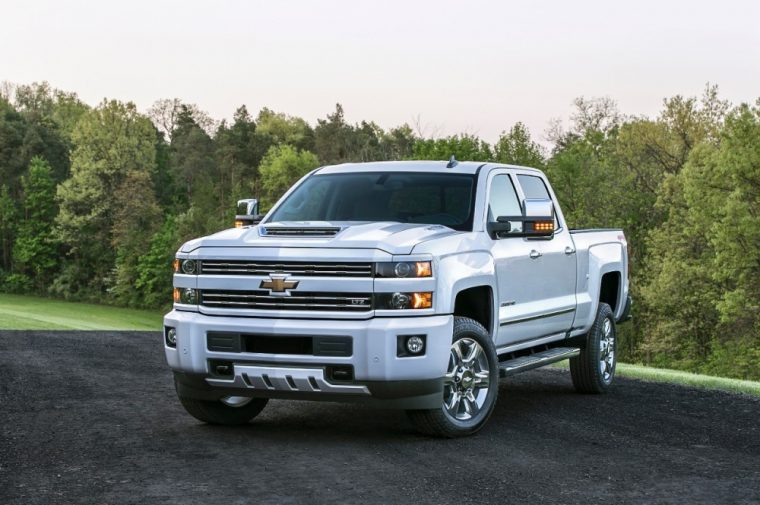 If the front end of the new 2017 Chevy Silverado HD looks different, that's because it now boasts a functional hood scoop