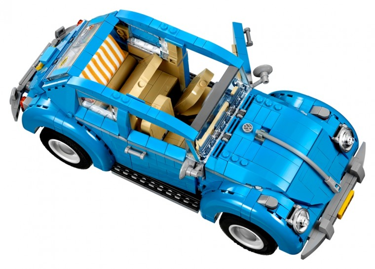 Blue VW Beetle Lego car set 10252 interior