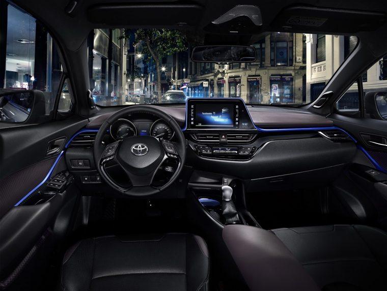 2017 Toyota C-HR Interior 01