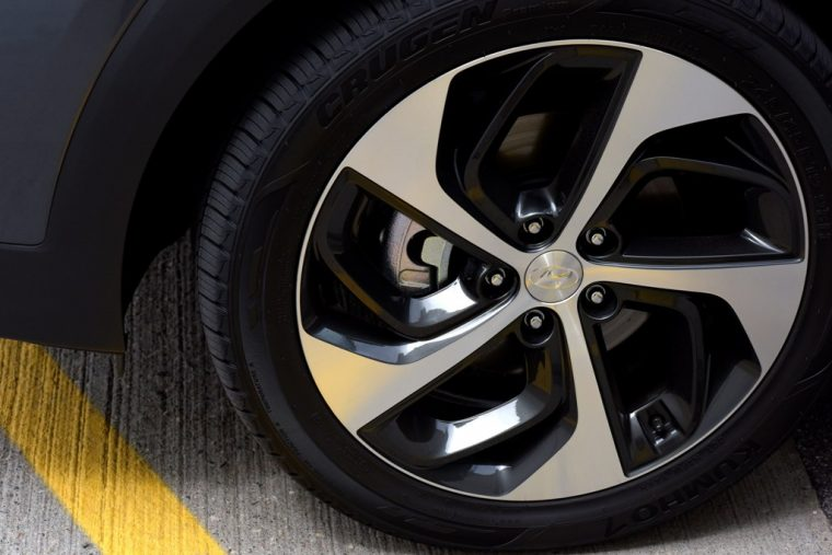 2017 Hyundai Tucson Overview wheel